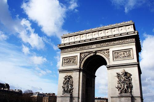 Arc de Triomphe photo by Edoardo