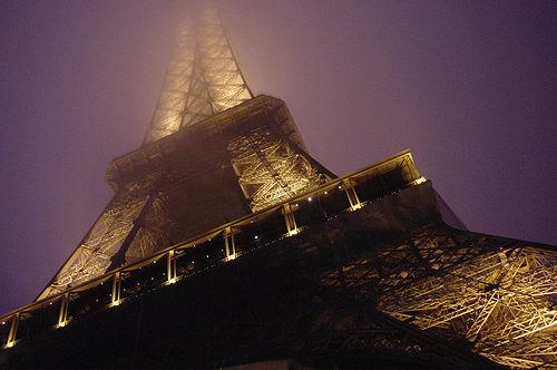 Eiffel Tower at Night, photo by Steven Van Wel