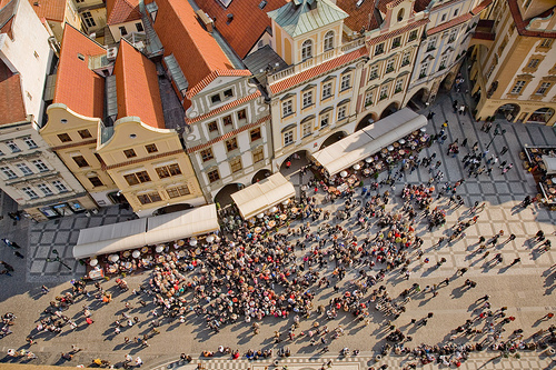 Old Town Square, Prague, photo by Pithawat Vachiramon